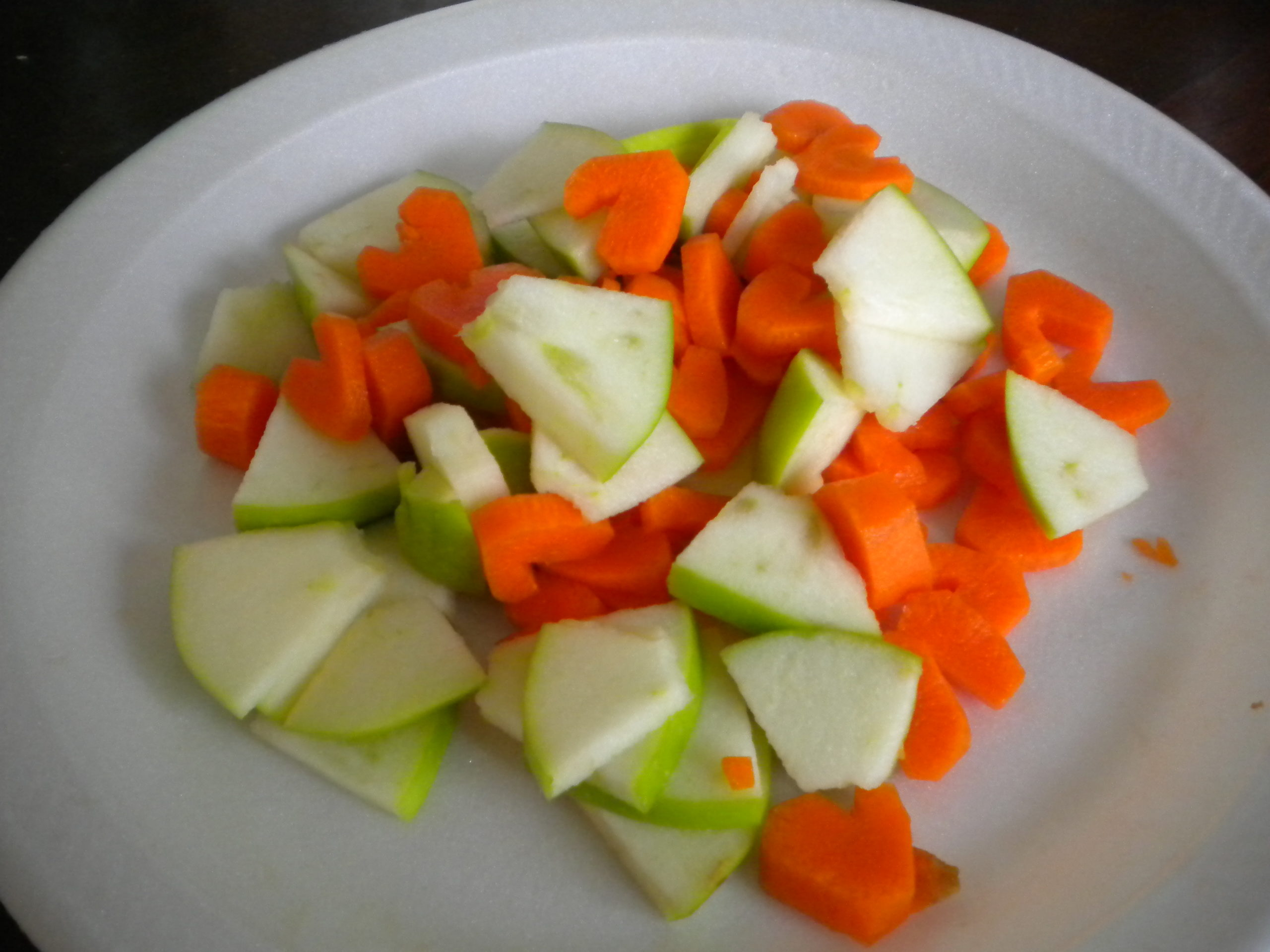 Apple and Carrot Hearts Salad