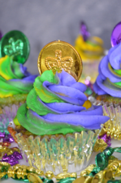 Mardi Gras Cupcake