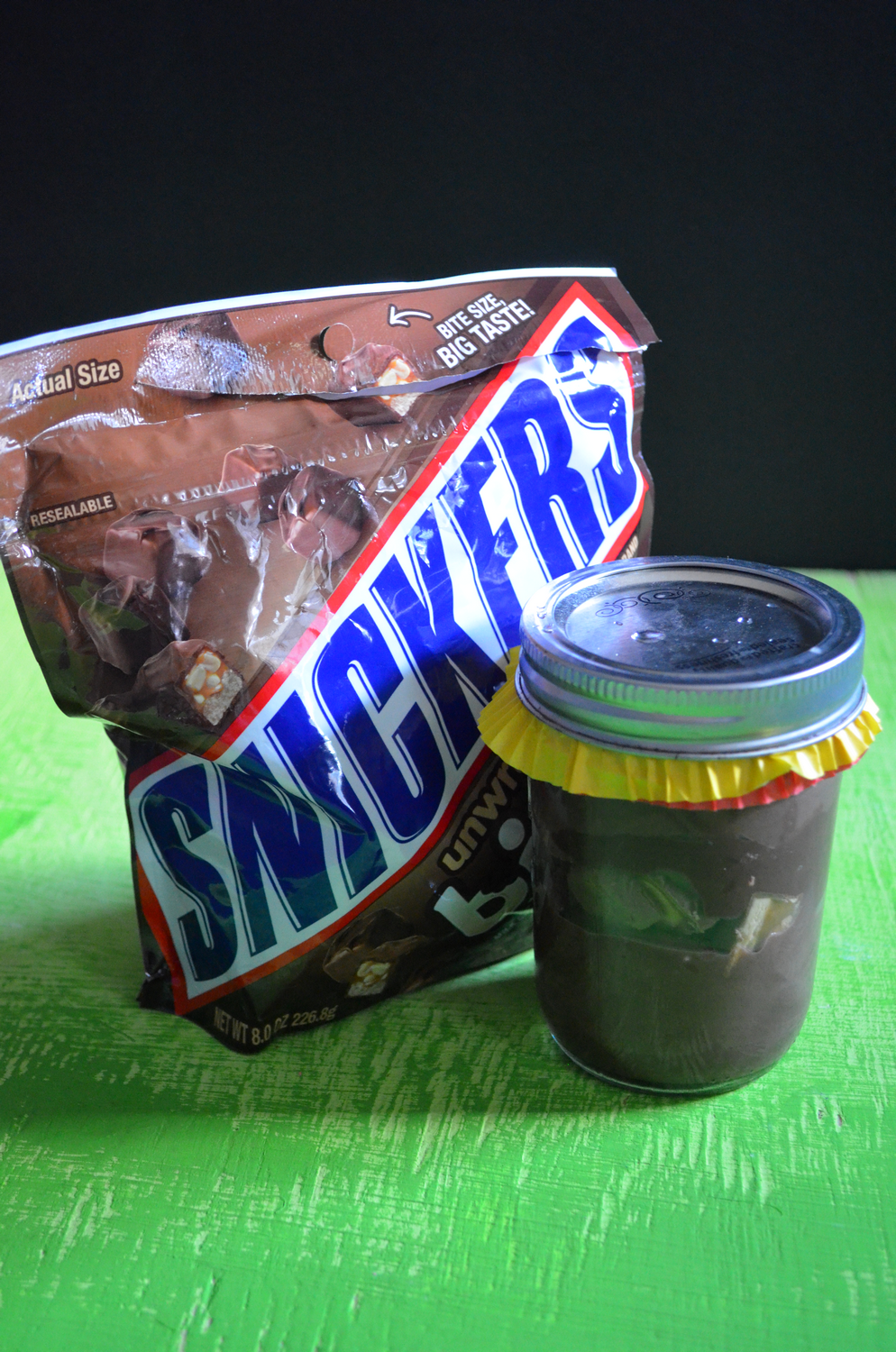 Snickers Pudding Jars for Tailgating #GameDayBites