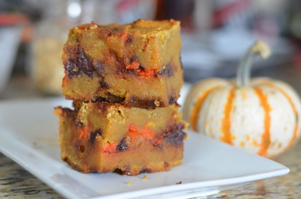 Gooey Pumpkin Blondies