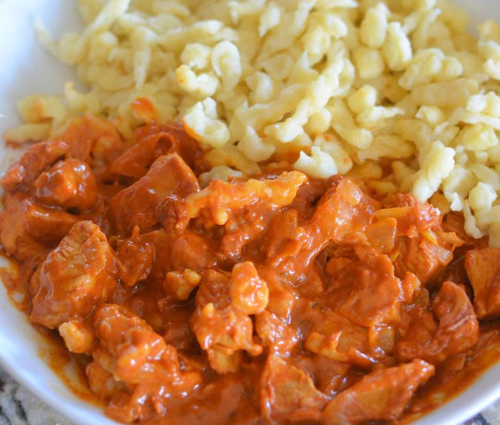 Paprikás Csirke Nokedli – Chicken Paprika with Dumplings