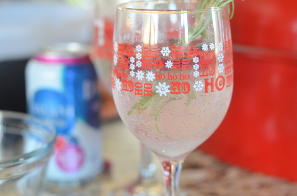 Holly Berry Spritzer #SparklingHolidays
