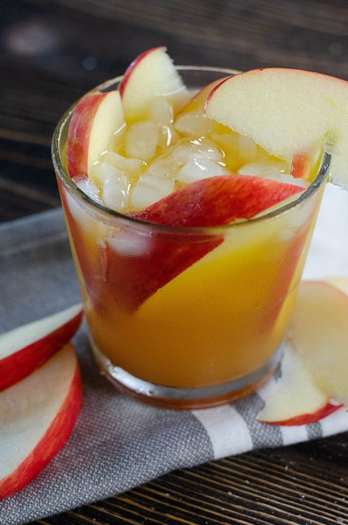 Fall cocktail with apples