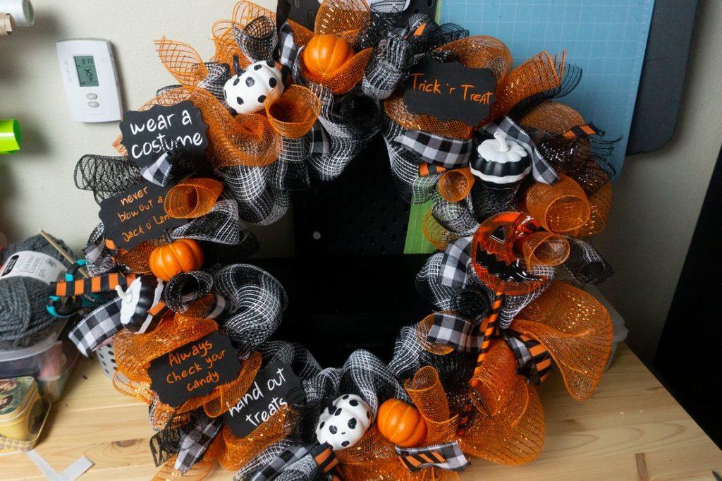 Trick 'r Treat Halloween Wreath on wood