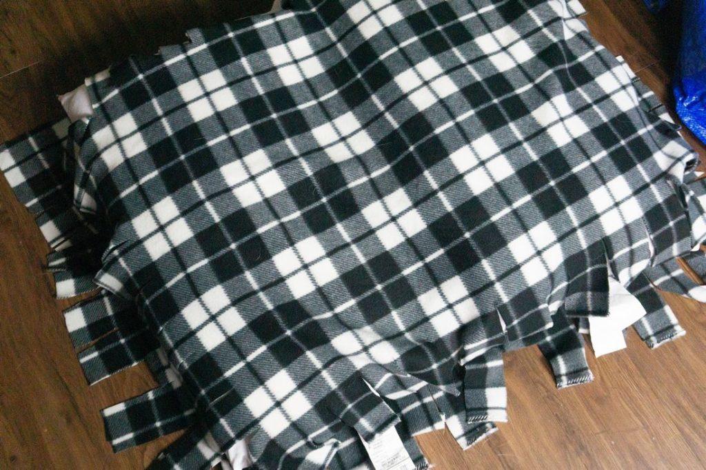 no sew dog bed fleece tied