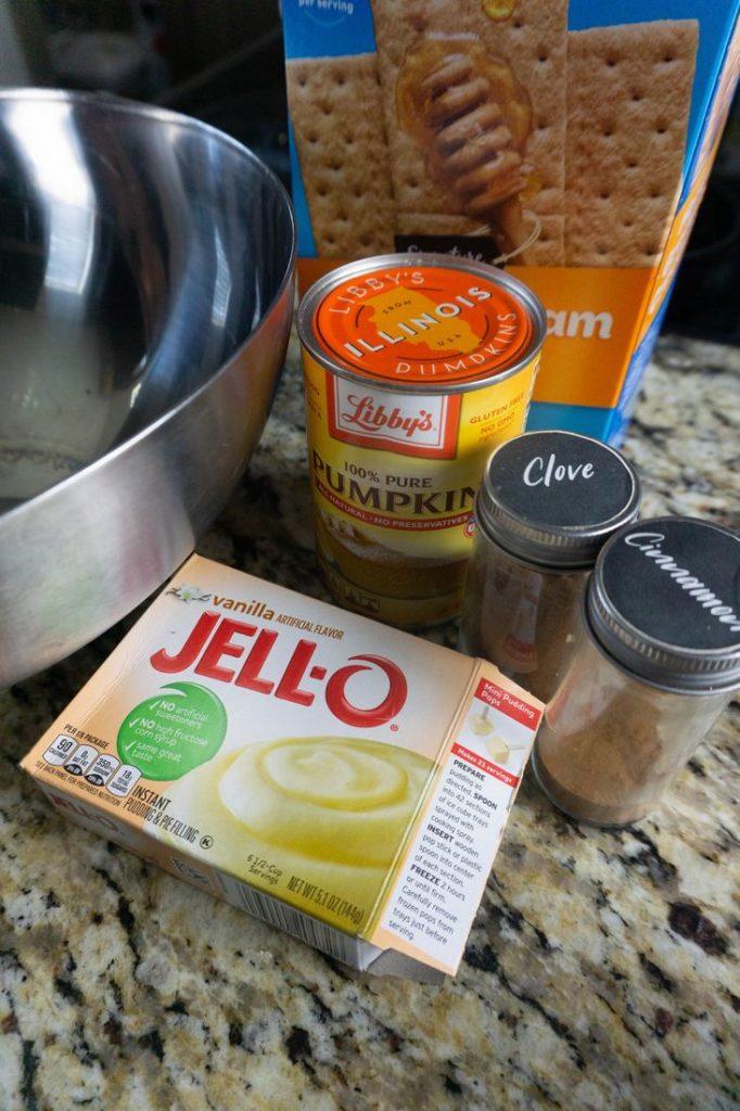 Ingredients to make the pumpkin pie pudding shots